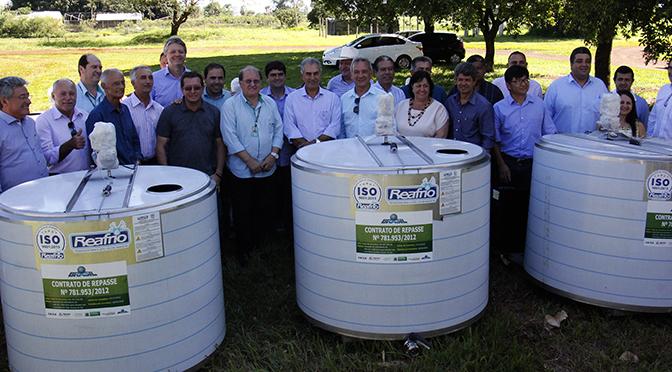 Governador Reinaldo Azambuja fez a entrega de resfriadores de leite para 23 municípios do Estado