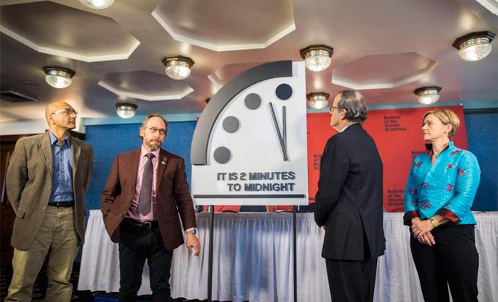 """O """"Doomsday Clock"""" foi criado em 1947 e seu horário já mudou 20 vezes desde então"""