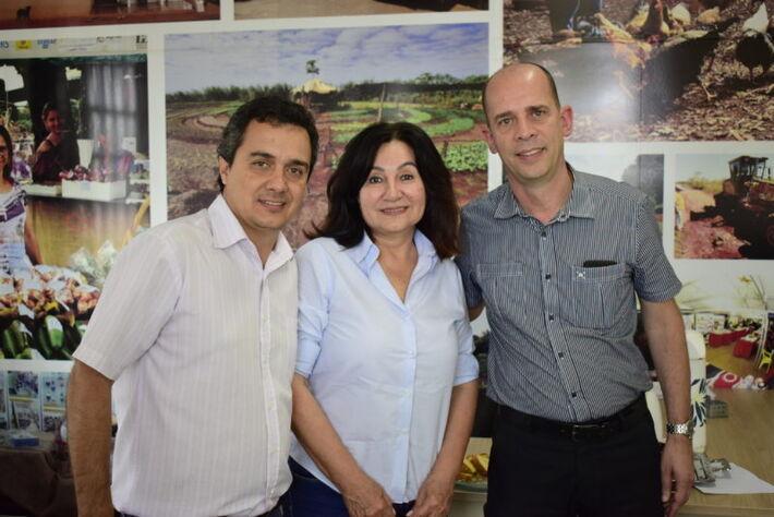 Secretário Landmark com a prefeita Délia e o superintendente do Hospital Evangélico em Dourados