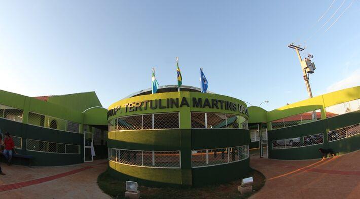 Com recursos federais e estaduais, a EE Professora Tertulina Martins da Silva foi edificada