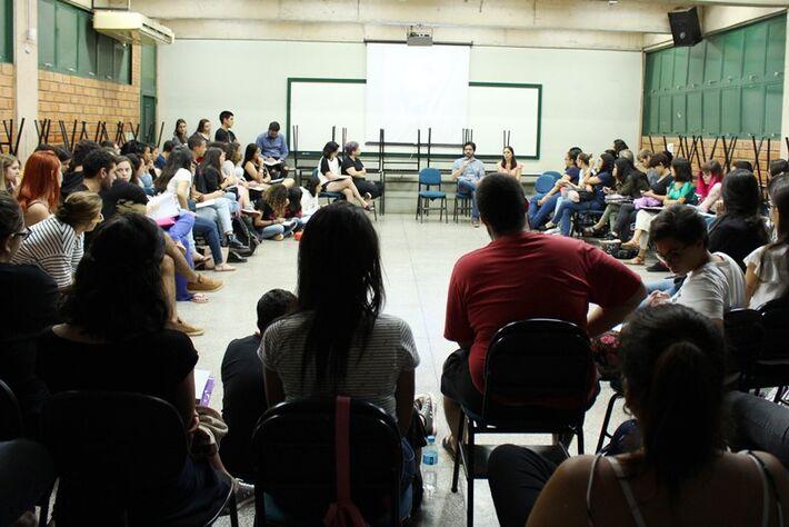 Debate reuniu acadêmicos da Católica e também o público externo