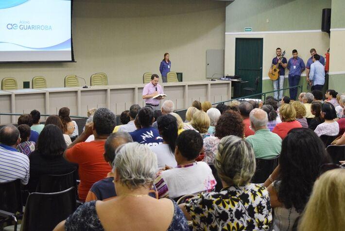 Momento de oração foi conduzido pelo Pró-Reitor de Pastoral, Pe. João Marcos Araújo Ramos, durante a Aula Magna