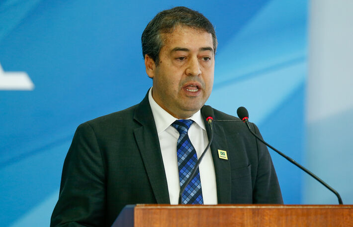 O ministro do Trabalho, Ronaldo Nogueira, participa de cerimônia de lançamento da Plataforma Digital do Programa Emprega Brasil, no Palácio do Planalto, em Brasília (DF)