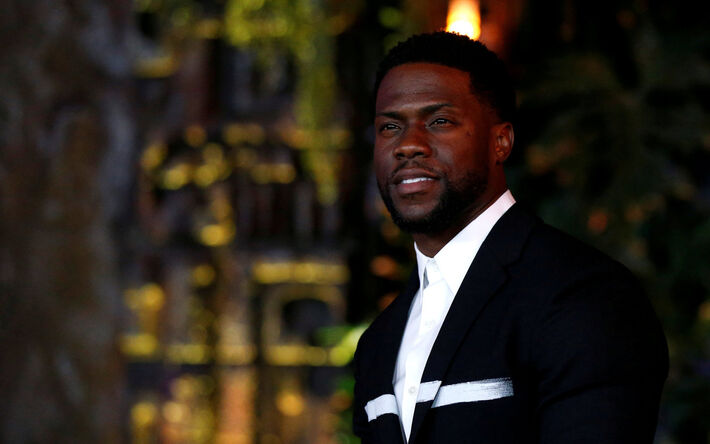 """Cast member Kevin Hart poses at the premiere for """"Jumanji: Welcome to the Jungle"""" in Los Angeles, California, U.S., December 11, 2017"""