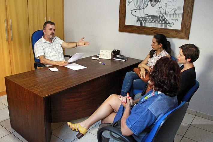 Grupo de nutricionistas visitaram Deputado Vander Loubet, para pedir apoio