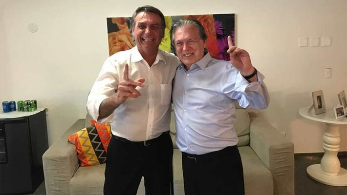 Presidente Jair Bolsonaro e presidente do PSL, Luciano Bivar