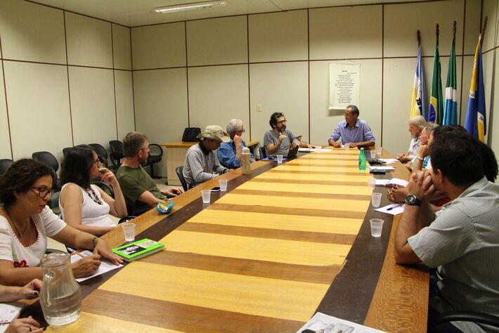 Reunião de construção de Audiência Pública, com representantes de diversas entidades