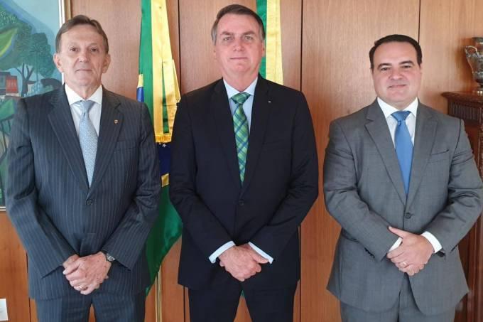 O general Floriano Peixoto anunciado na presidência dos Correios e o advogado e major Jorge Antonio de Oliveira Francisco para o cargo de Ministro-chefe da Secretaria Geral da Presidência da República