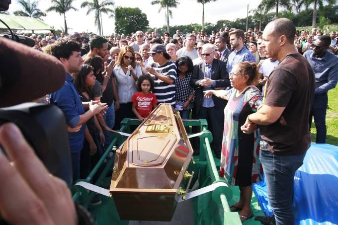 Enterro do pastor Anderson do Carmo de Souza, em São Gonçalo, na região metropolitana do Rio