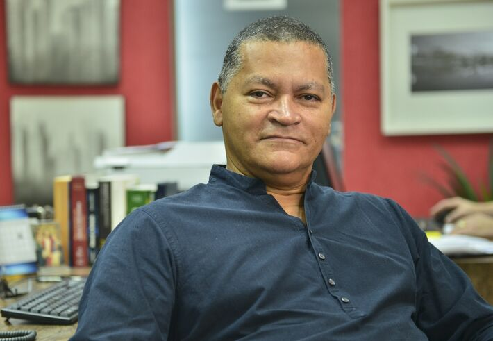Wilson Aquino, jornaslista e professor