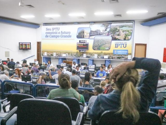 Central do IPTU no primeiro dia do Refis Natalino