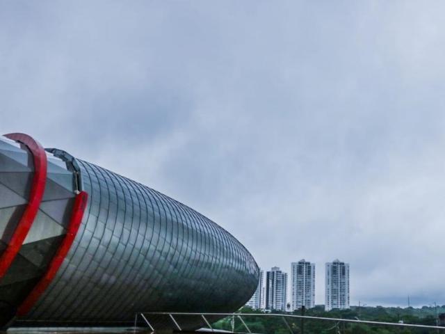 O dia na capital sul-mato-grossense amanheceu com céu nublado e previsão é de chuva para o decorrer do dia