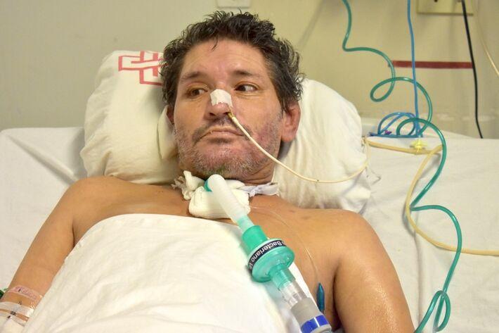 Homem que está internado há mais de 2 meses na Santa Casa de Campo Grande e que hospital tenta identificar