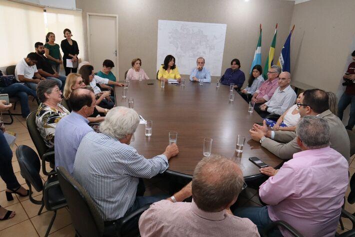 Prefeita Délia Razuk e Henrique Prata assinaram termo de concessão para o Hospital de Amor instalar unidade de prevenção do câncer em Dourados