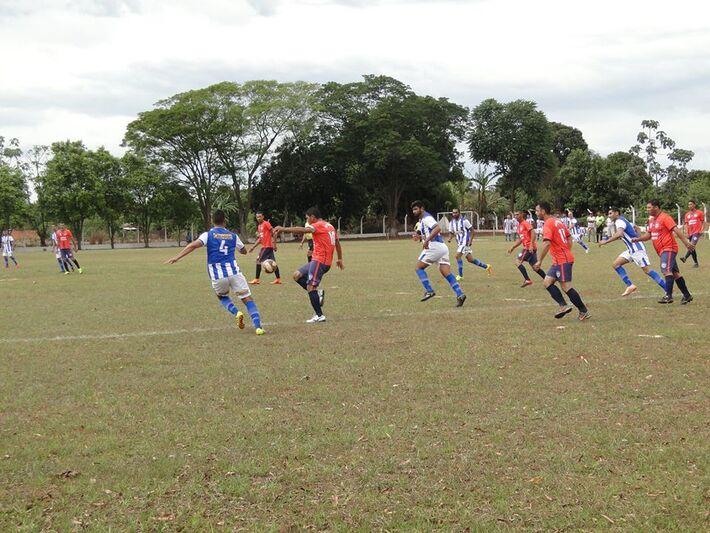 Veteranos Panambi e Cooperativa jogam por vitória simples, enquanto a AAVV poderá perder até por dois gols de diferença para a AAVF para ir a final