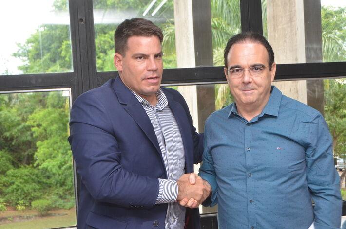 O deputado estadual Felipe Orro (PSDB) e o deputado Capitão Contar (PSL)