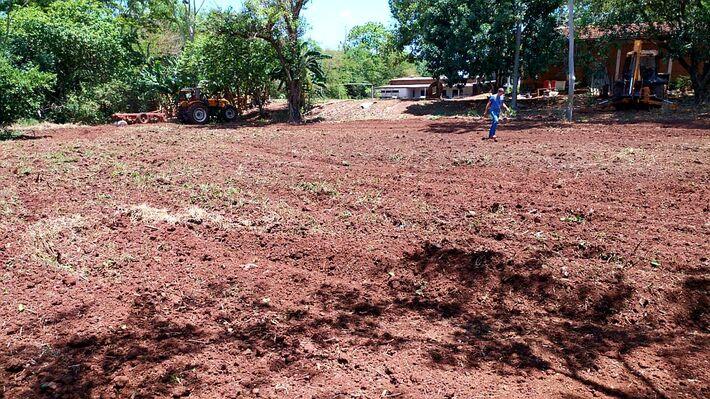 A equipe técnica da Semaf está apoiando a produção agrícola do Instituto Hayom que atende cerca de cem imigrantes venezuelanos