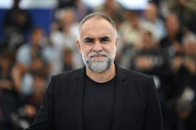 Cineasta brasileiro Karim Aïnouz posa durante uma sessão fotográfica para o filme 'A Vida Invisível de Eurídice Gusmão' na 72ª edição do Festival de Cinema de Cannes