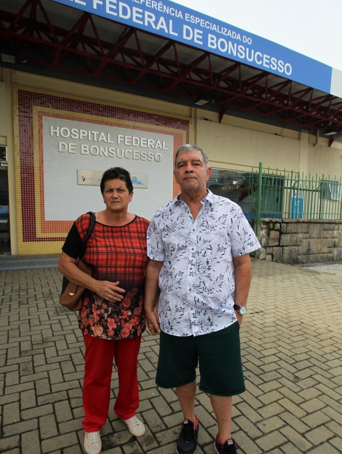 Paulo Cesar Corrêa de Holanda e a mulher foram buscar informações, no HFB, sobre a continuidade do acompanhamento médico