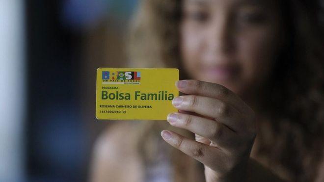 Para evitar que uma nova geração de jovens caia em um futuro de subemprego, prioridade absoluta do governo deveria ser ampliar o Bolsa Família durante a crise, diz Naercio Menezes Filho