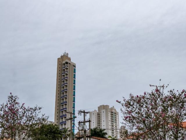 Céu nublado em Campo Grande nesta sexta-feira.