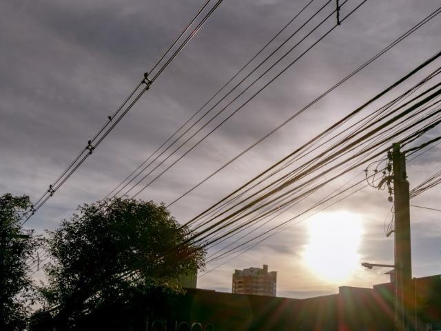Sexta-feira será de céu parcialmente nublado em Campo Grande