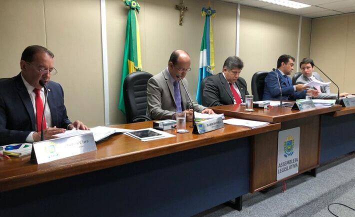 Na Casa, o projeto de emeda à constituinte estadual percorre desde o dia 26 de novembro