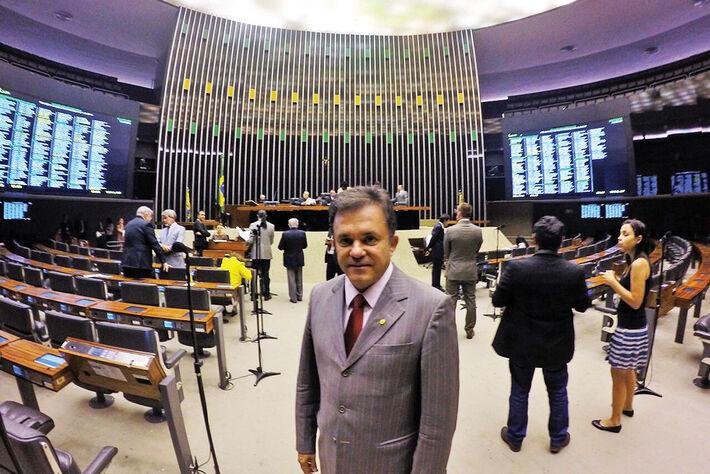 Deputado Vander Loubet no Plenário da Câmara em Brasília