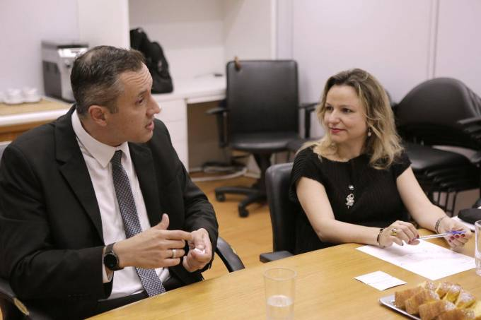 O secretário de Cultura, Roberto Alvim, e a ex-secretária do Audiovisual Katiane Gouvêa Ministério da Cidadania