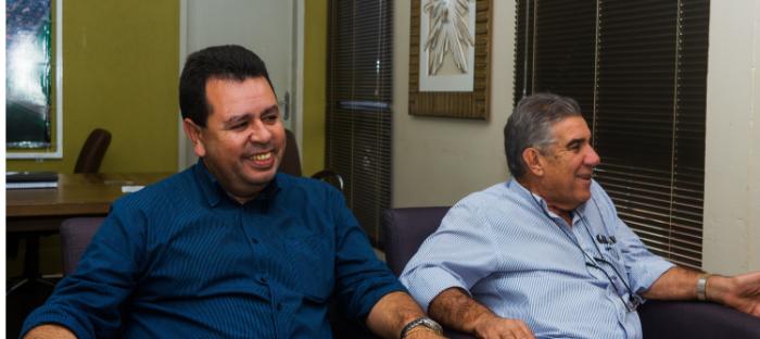 Lenílso Carvalho e prefeito Maurílio Azambuja