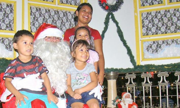 No Jardim do Natal, atenção a centenas crianças