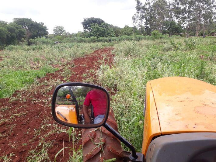 Ações da Secretaria de Agricultora Familiar garante apoio para 12 associações de produtores do município