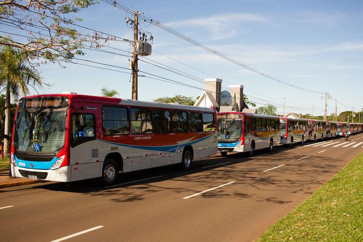 Ônibus da primeira remessa entregues na Cidade do Natal em outubro