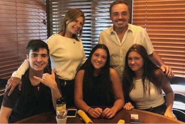 Rose, Gugu e os filhos do casal