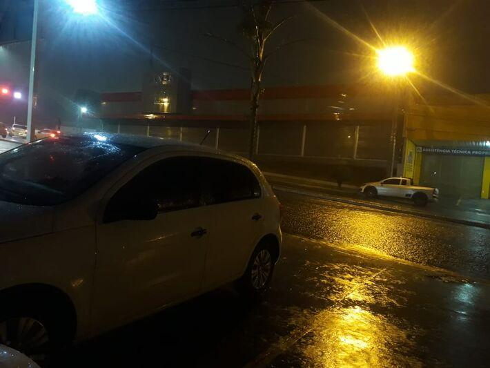 Motoqueiros ficaram isolados por chuva que não deu trégua nessa quinta-feira
