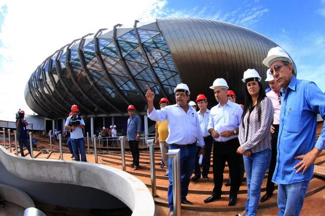 Projeto arquitetônico, assinado pelo arquiteto Ruy Ohtake.