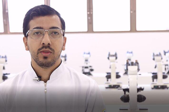 O coordenador do curso de Biomedicina da Unigran Capital, professor mestre em Ciências da Saúde, Maicon Leitão