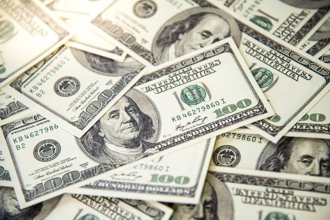Dólar bate recorde na abertura dos mercados desta quinta-feira, 27