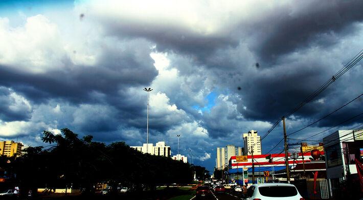 O tempo amanhece nublado na Capital sul-mato-grossense