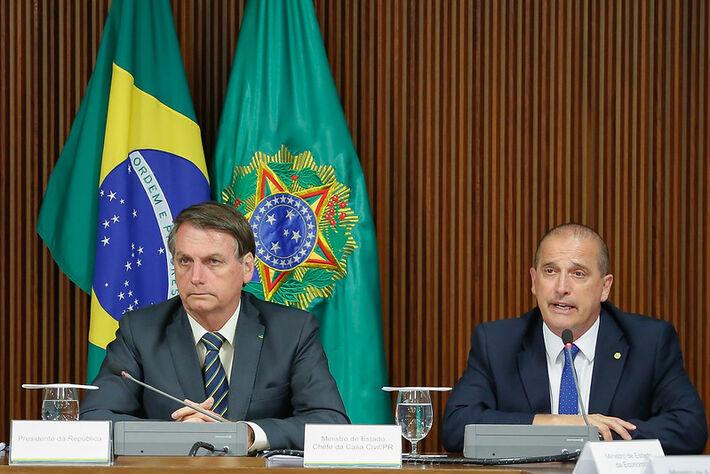 Presidente Jair Bolsonaro e ministro da Casa Civil, Onyx Lorenzoni, durante o último encontro do Conselho do Programa de Parcerias de Investimentos (CPPI)