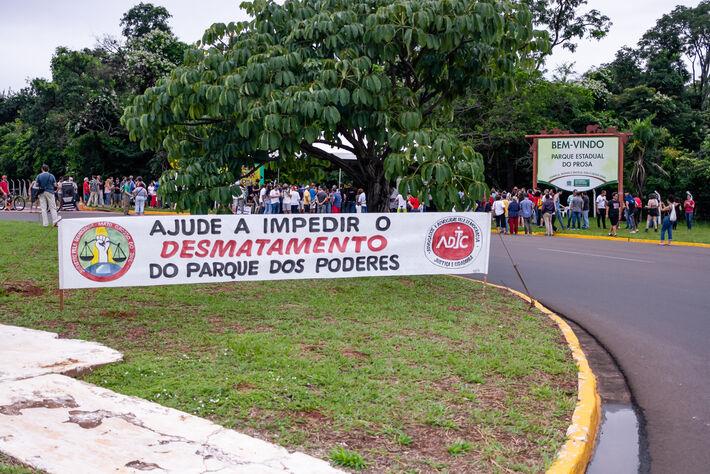 A rotatória no final da Avenida Mato Grosso, entrada do Parque dos Poderes em Campo Grande