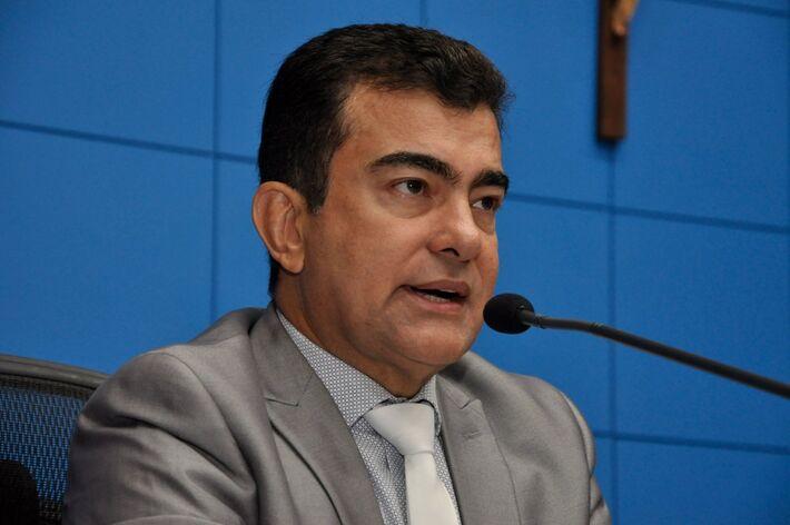 Marçal Filho quer redução de taxas cartorárias