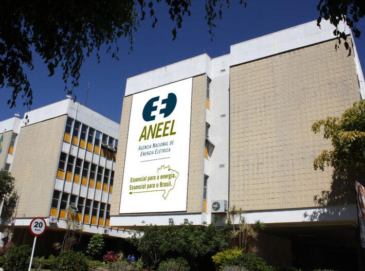 Criada em 1997, a Aneel é responsável por regular, fiscalizar, estabelecer tarifas e resolver divergências no setor elétrico brasileiro