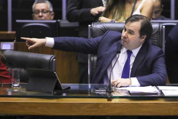 O presidente da Câmara, Rodrigo Maia, presidindo sessão da Casa