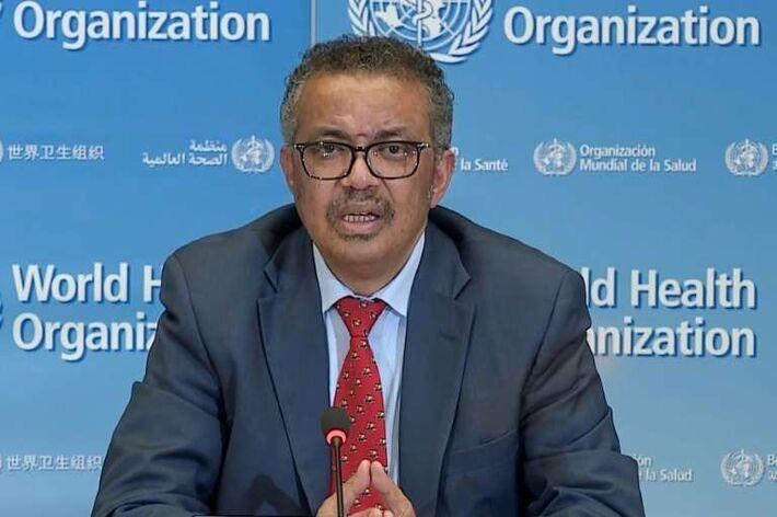 Captura de tela de vídeo divulgado pela Organização Mundial da Saúde (OMS) do chefe da OMS, Tedros Adhanom Ghebreyesus, em 6 de abril de 2020