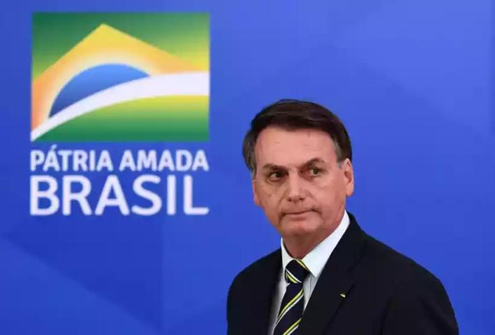"""O presidente Jair Bolsonaro (sem partido) relata dificuldade: """"não é só ler, tem que interpretar também"""""""