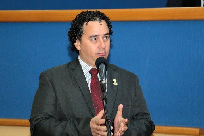 elegado Wellington durante pronunciamento na Câmara de Campo Grande