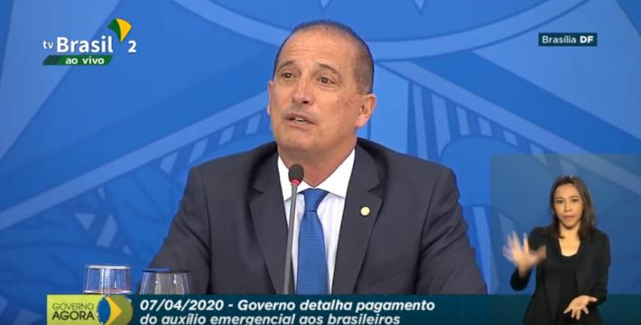 """Em lançamento de aplicativo de cadastro para pagamento de auxílio a trabalhadores informais, ministro disse que ordem de Bolsonaro é """"equilibrar"""" a proteção à saúde com a economia"""