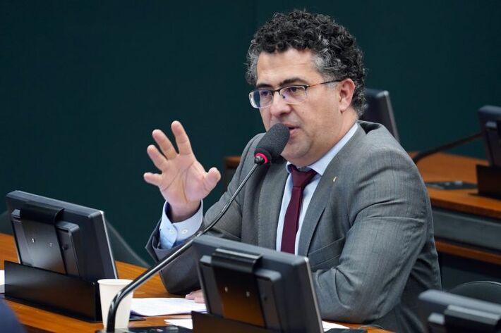 Alencar Santana Braga: sem participar das ações de pesquisa, Brasil pode não ter prioridade para receber vacinas