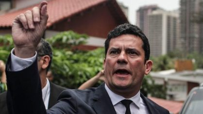 Moro tem sido ativo nas redes sociais desde que deixou o governo, e reiterado acusações e críticas ao presidente Jair Bolsonaro